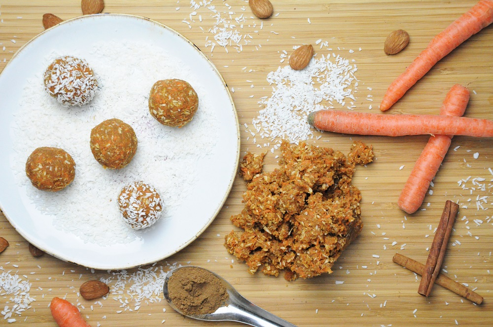 Raw Paleo Carrot Cake Balls Recipe
