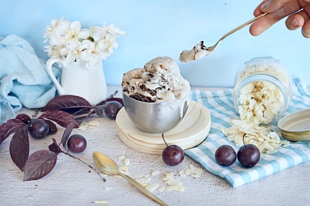 Sugar Free Ice Cream with Plum Caramel