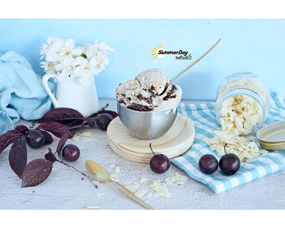 Ice Cream With Plum Caramel
