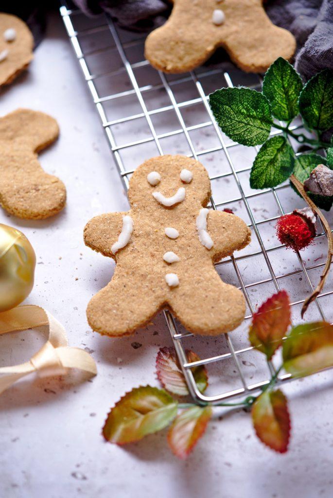 Paleo Pumpkin Gingerbread Cookies - Healthy Christmas Recipe